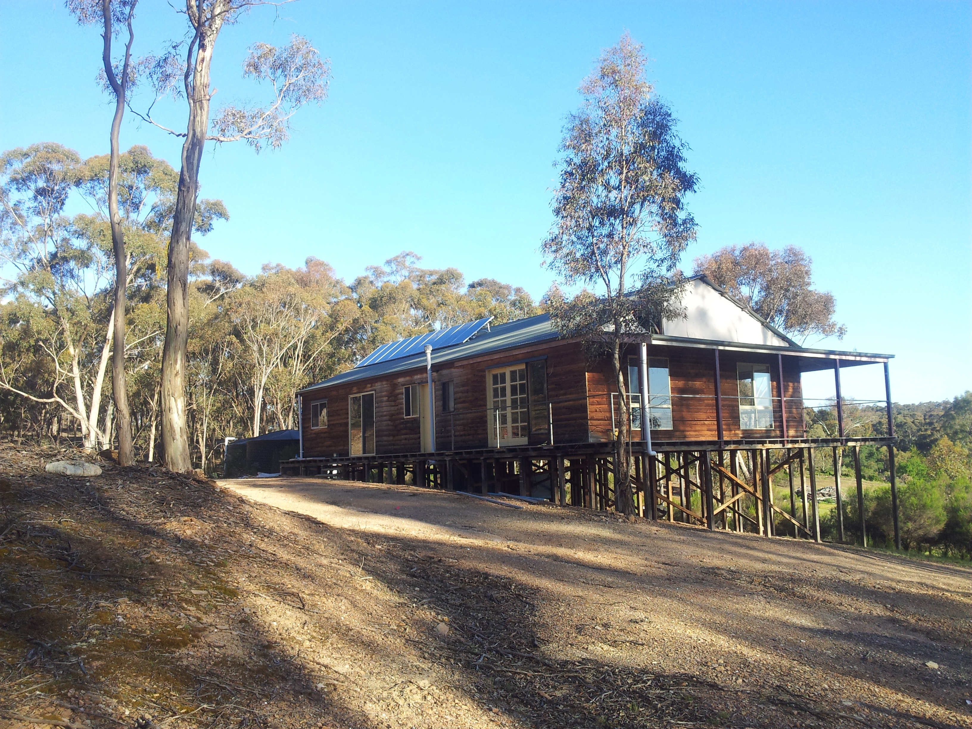Near Castlemaine 1.7kw Standalone power system