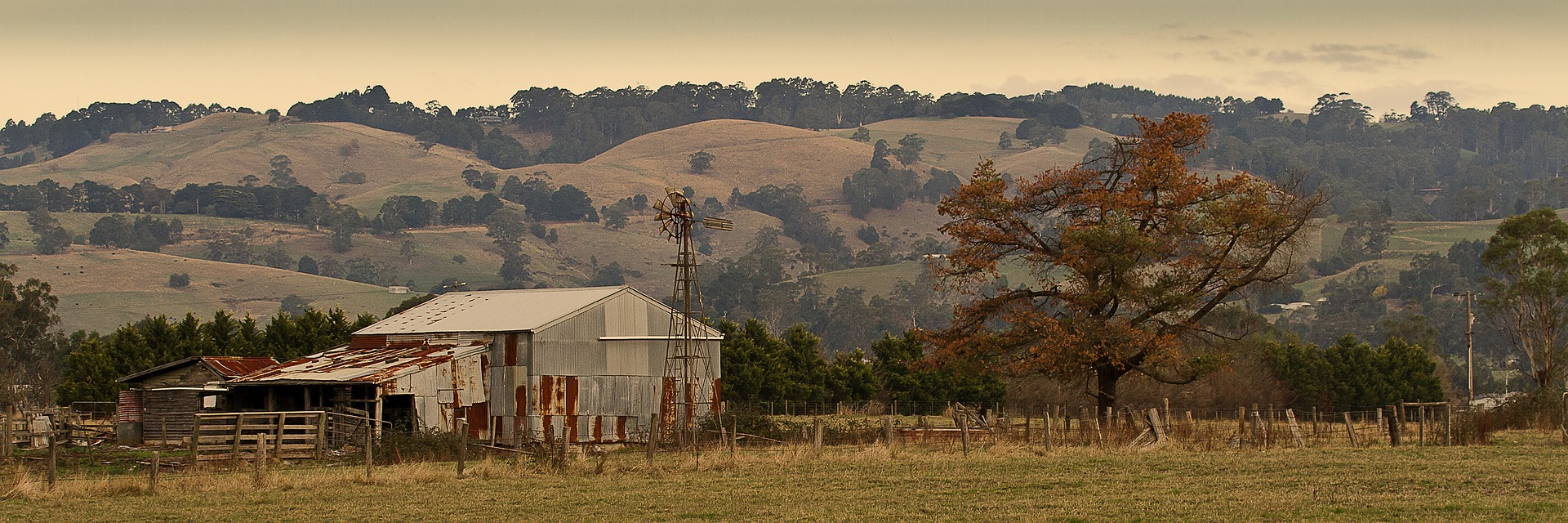 rustic farm 918105 1920